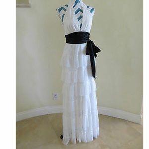 BCBG MAX AZRIA Lace Ruffle romance dress